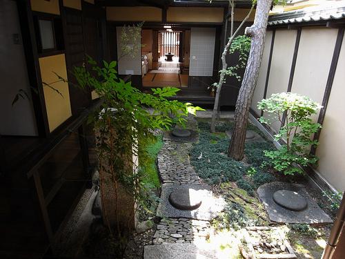 ならまち格子の家 中庭